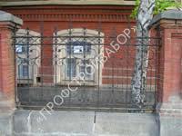Кованный, деревянный или комбинированный забор?